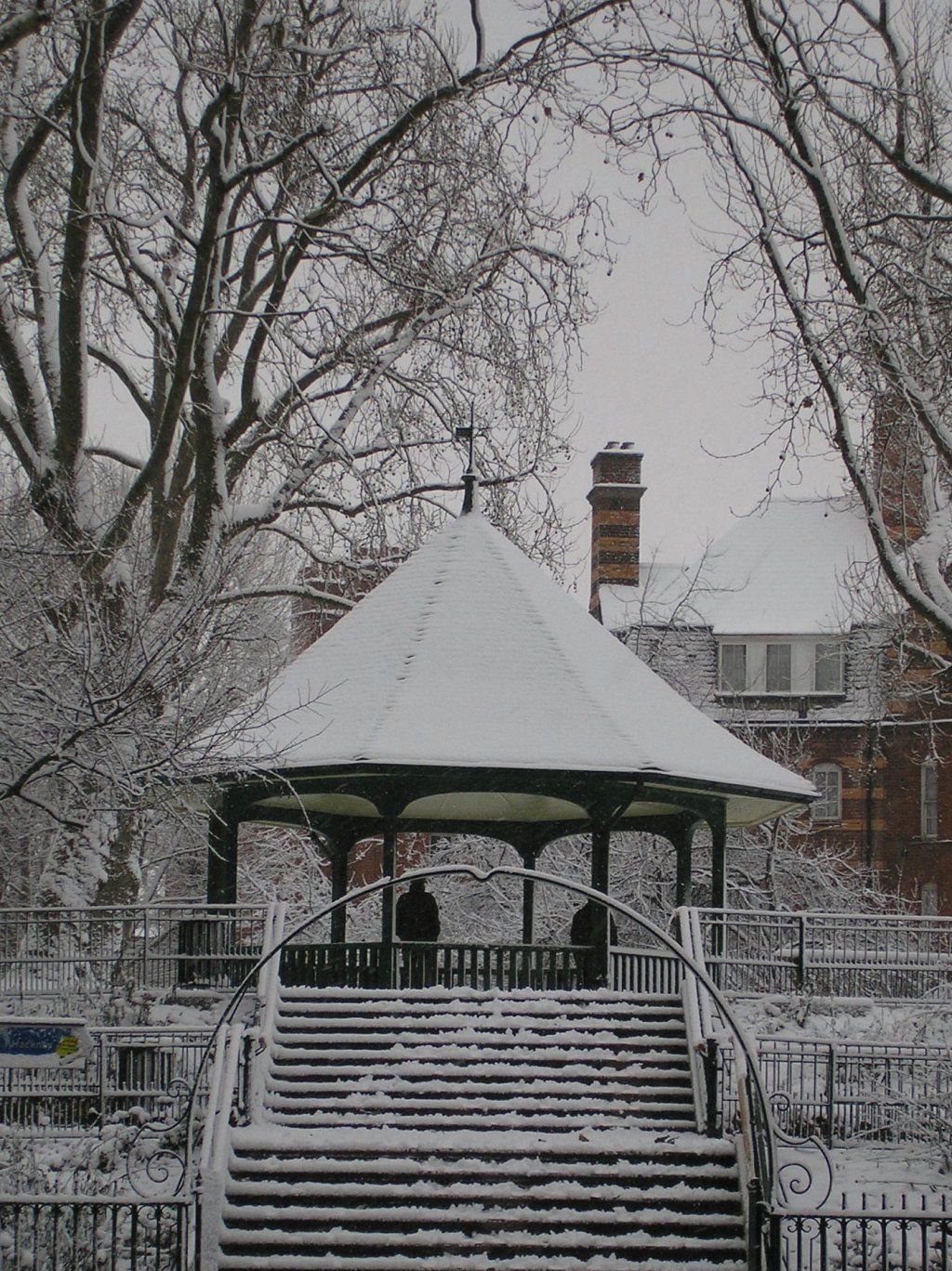 Bandstand & Arnold Circus