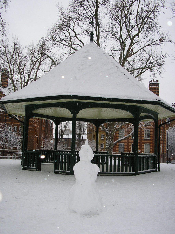 Snowman Arnold Circus